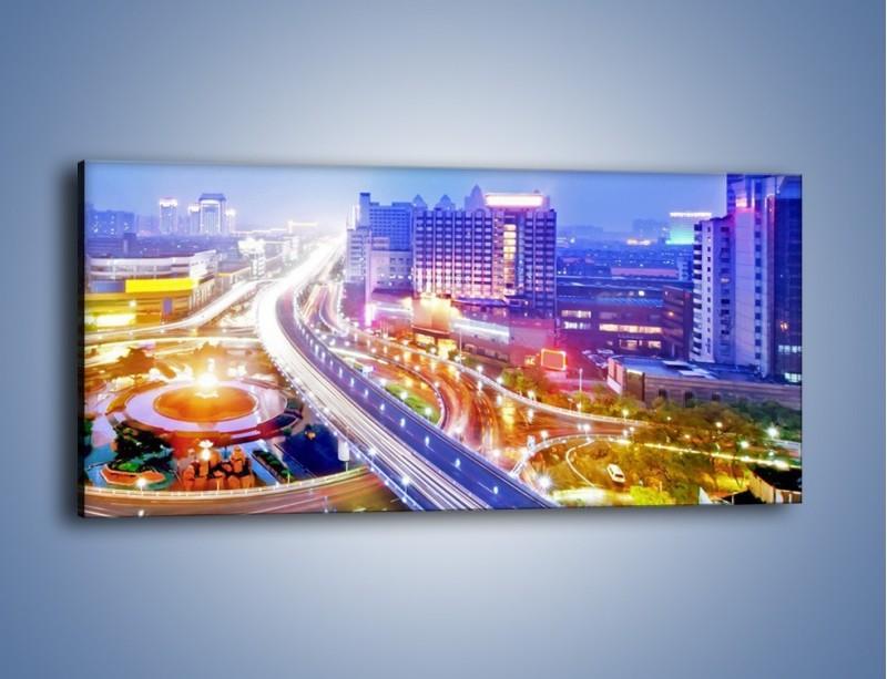 Obraz na płótnie – Rozświetlona miejska estakada – jednoczęściowy panoramiczny AM729