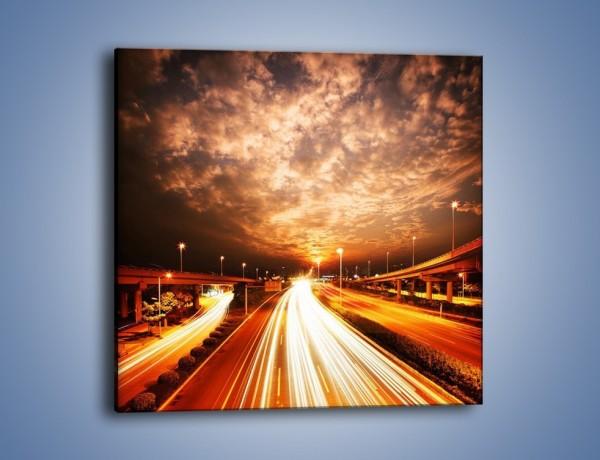 Obraz na płótnie – Oświetlona autostrada w ruchu – jednoczęściowy kwadratowy AM021