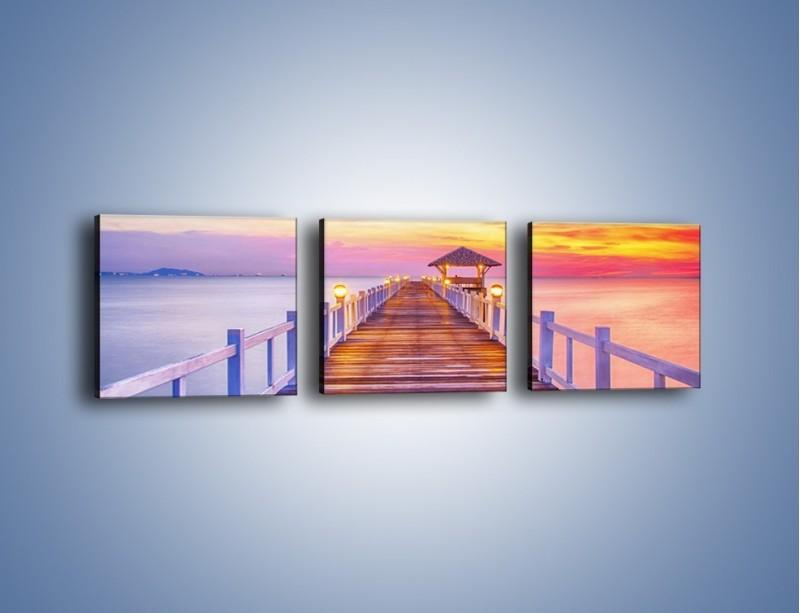 Obraz na płótnie – Spokojnym krokiem po moście – trzyczęściowy KN918W1