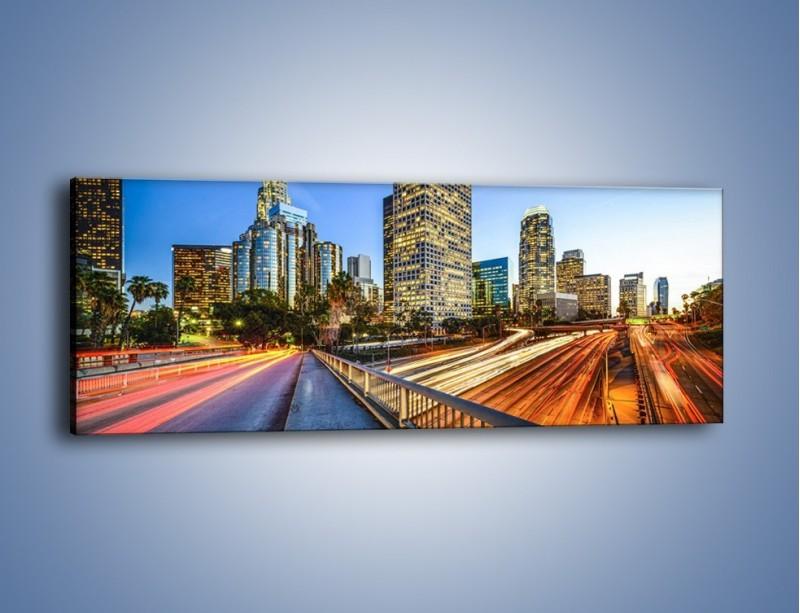 Obraz na płótnie – Światła Los Angeles o zmierzchu – jednoczęściowy panoramiczny AM753