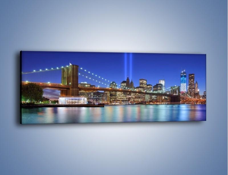 Obraz na płótnie – Świetlne kolumny w Nowym Jorku – jednoczęściowy panoramiczny AM757