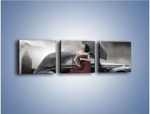Obraz na płótnie – Dama pod parasolem – trzyczęściowy L139W1