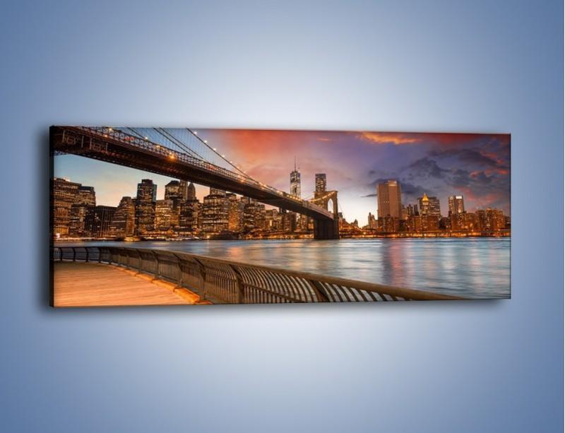 Obraz na płótnie – Zmierzch nad Mostem Brooklińskim – jednoczęściowy panoramiczny AM793