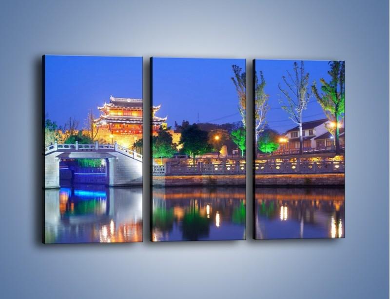 Obraz na płótnie – Dom w Japonii w świetle lamp nocnych – trzyczęściowy AM046W2