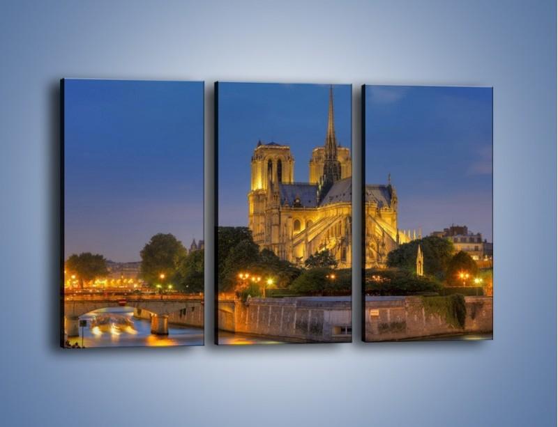 Obraz na płótnie – Kościół w świetle wieczornych lamp – trzyczęściowy AM170W2