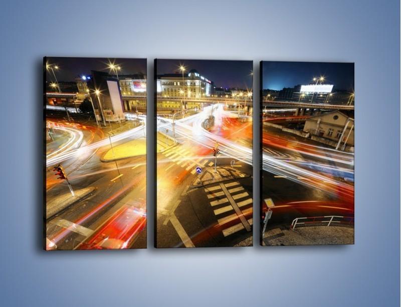 Obraz na płótnie – Światła samochodów w ruchu na skrzyżowaniu – trzyczęściowy AM279W2