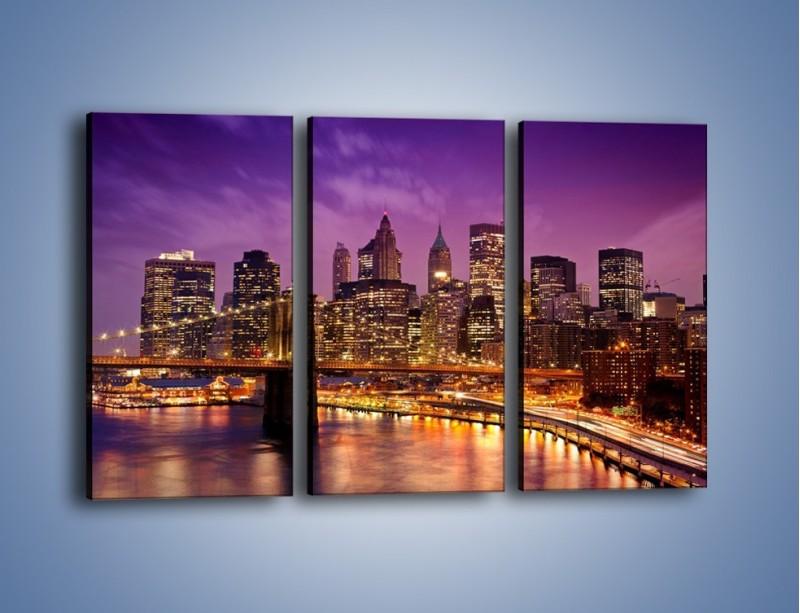Obraz na płótnie – Nowy York pod fioletowym niebem – trzyczęściowy AM434W2