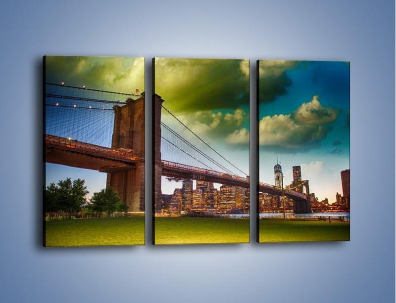 Obraz na płótnie – Most Brookliński pod pochmurnym niebem – trzyczęściowy AM752W2
