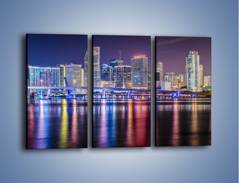 Obraz na płótnie – Światla Miami w odbiciu wód Biscayne Bay – trzyczęściowy AM813W2