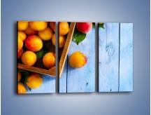 Obraz na płótnie – Brzoskwinie w drewnianej skrzyni – trzyczęściowy JN404W2
