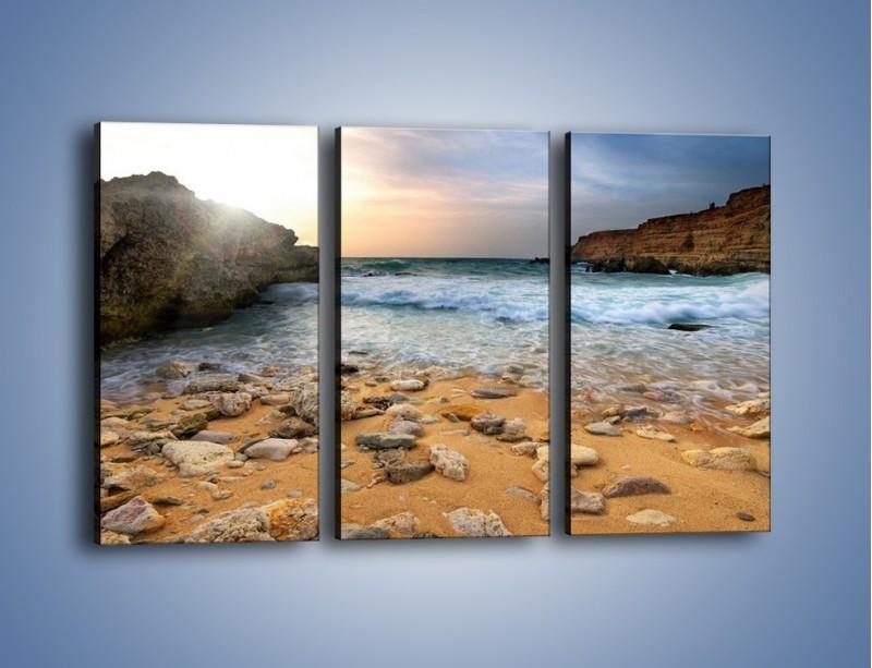 Obraz na płótnie – Kamienista plaża o poranku – trzyczęściowy KN043W2