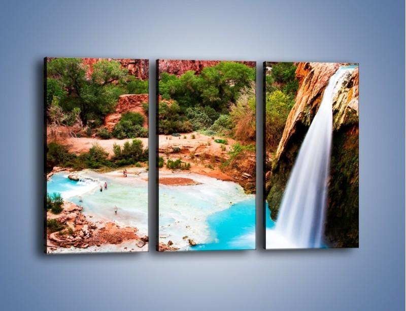 Obraz na płótnie – Zabawy przy wodospadzie – trzyczęściowy KN095W2