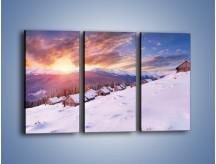 Obraz na płótnie – Chatka w śnieżnym dywanie – trzyczęściowy KN725W2