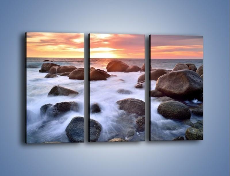 Obraz na płótnie – Kamienie zatopione w morzu – trzyczęściowy KN930W2