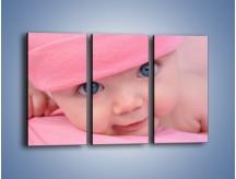 Obraz na płótnie – Bobas w różowej czapeczce – trzyczęściowy L256W2