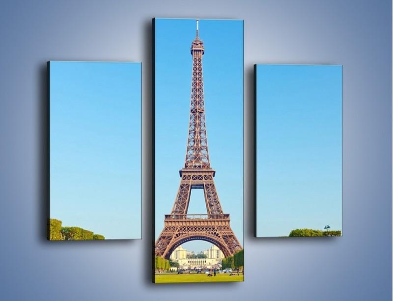 Obraz na płótnie – Wieża Eiffla pod błękitnym niebem – trzyczęściowy AM171W3