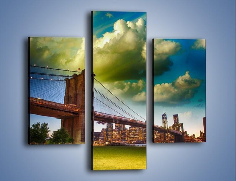 Obraz na płótnie – Most Brookliński pod pochmurnym niebem – trzyczęściowy AM752W3