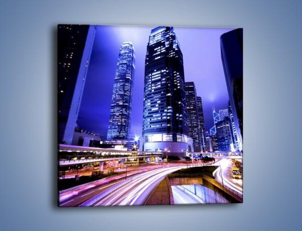 Obraz na płótnie – Samochody w ruchu w mieście – jednoczęściowy kwadratowy AM054