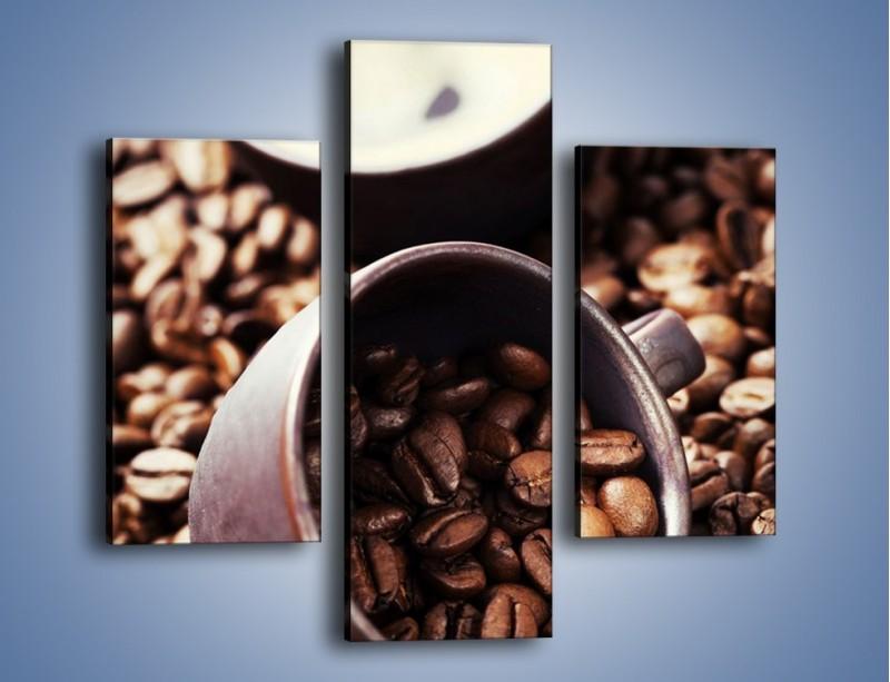Obraz na płótnie – Kawa na rozsypanych ziarnach – trzyczęściowy JN389W3