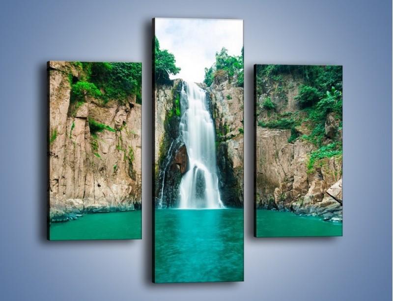 Obraz na płótnie – Skok ze skarpy do wody – trzyczęściowy KN1184AW3