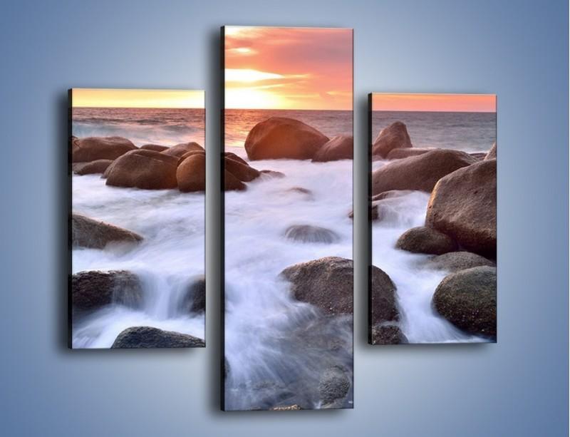 Obraz na płótnie – Kamienie zatopione w morzu – trzyczęściowy KN930W3