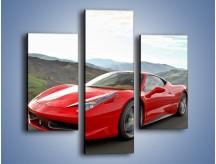Obraz na płótnie – Czerwone Ferrari 458 Italia – trzyczęściowy TM194W3