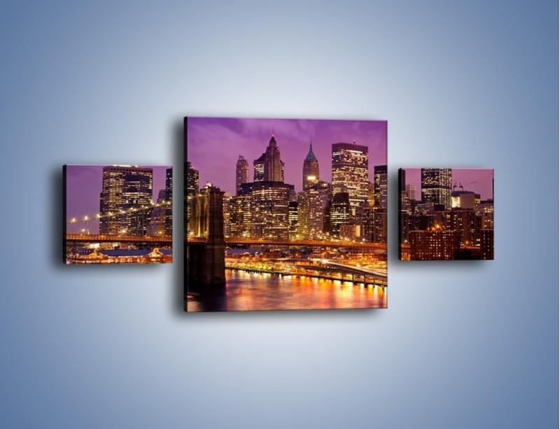 Obraz na płótnie – Nowy York pod fioletowym niebem – trzyczęściowy AM434W4