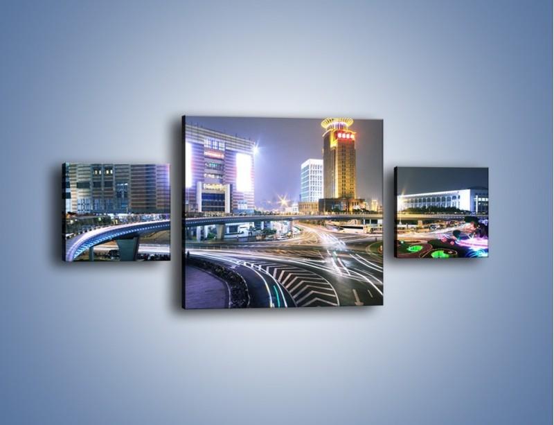 Obraz na płótnie – Oświetlone skrzyżowanie ulic w Szanghaju – trzyczęściowy AM446W4