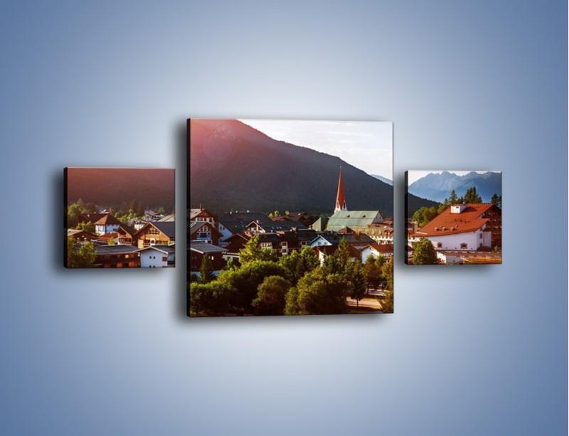 Obraz na płótnie – Austryjackie miasteczko u podnóży gór – trzyczęściowy AM496W4