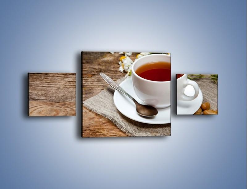 Obraz na płótnie – Herbata wśród stokrotek – trzyczęściowy JN413W4