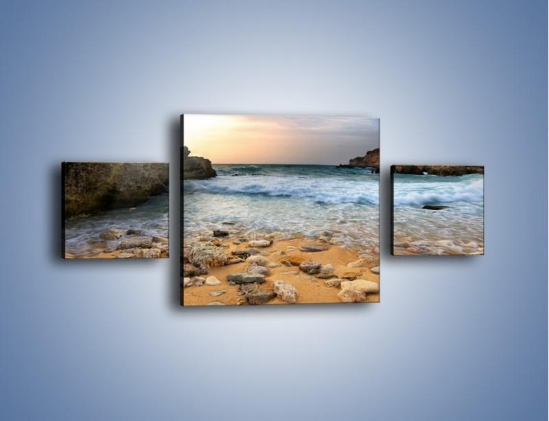 Obraz na płótnie – Kamienista plaża o poranku – trzyczęściowy KN043W4