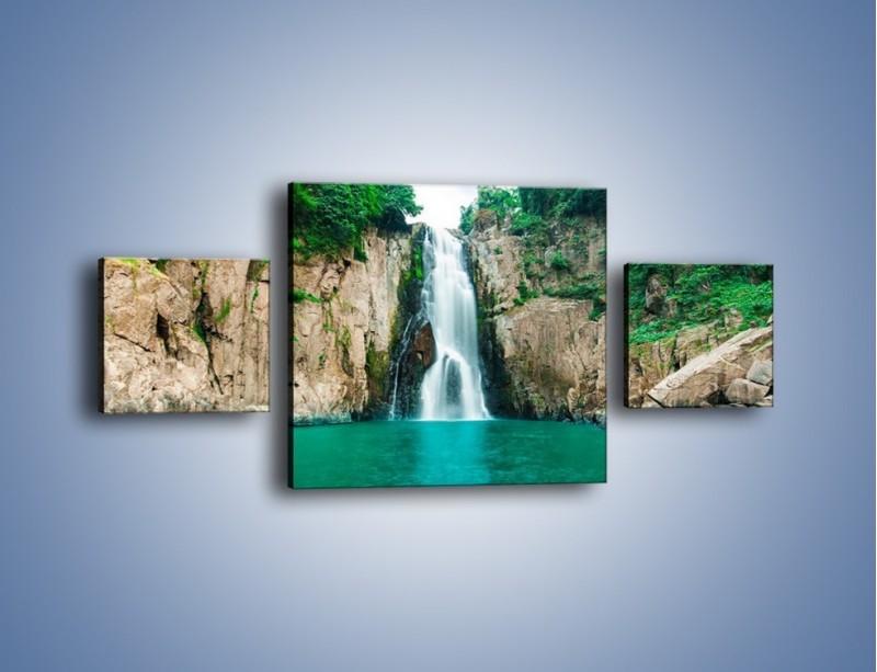 Obraz na płótnie – Skok ze skarpy do wody – trzyczęściowy KN1184AW4