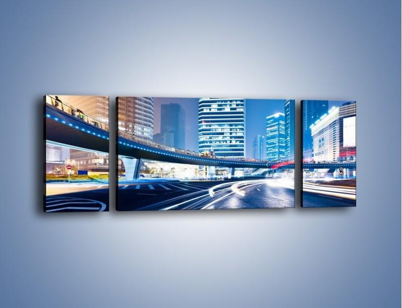 Obraz na płótnie – Wieczorny ruch uliczny w centrum miasta – trzyczęściowy AM051W5