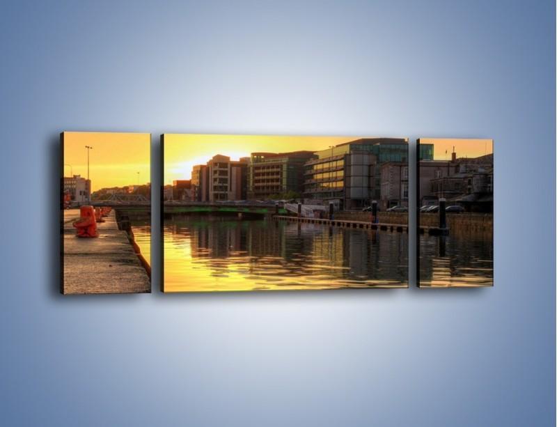 Obraz na płótnie – Kanał portowy o wschodzie słońca – trzyczęściowy AM079W5