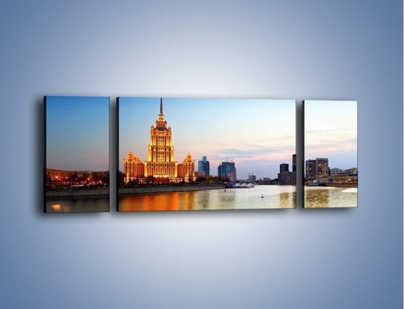 Obraz na płótnie – Nadrzeczne miasto o poranku – trzyczęściowy AM120W5