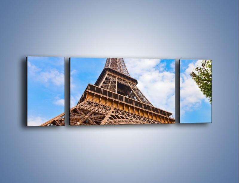Obraz na płótnie – Wieża Eiffla pod chmurkami – trzyczęściowy AM173W5