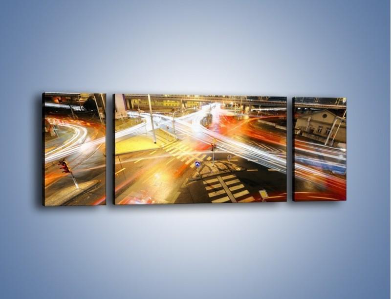 Obraz na płótnie – Światła samochodów w ruchu na skrzyżowaniu – trzyczęściowy AM279W5