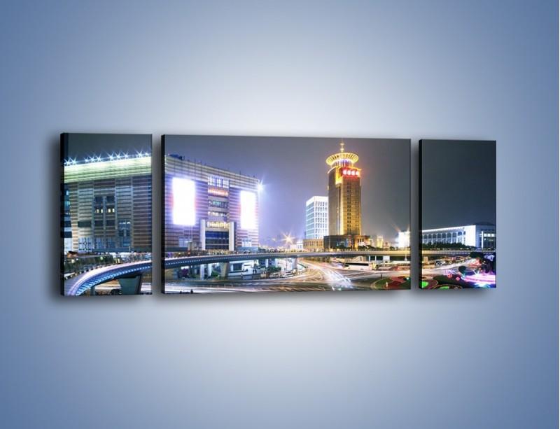 Obraz na płótnie – Oświetlone skrzyżowanie ulic w Szanghaju – trzyczęściowy AM446W5