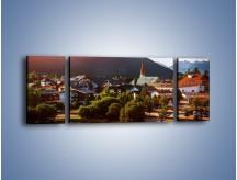 Obraz na płótnie – Austryjackie miasteczko u podnóży gór – trzyczęściowy AM496W5