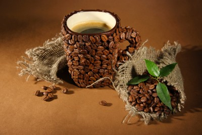 Kubek z ziarnami kawy - JN388
