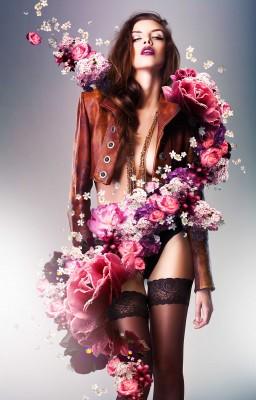Otulona kwiatowym szalem - L004