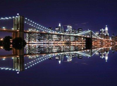 Most Brookliński w lustrzanym odbiciu wody - AM067