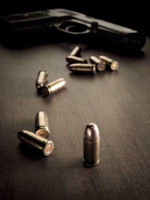 Śmierć z użyciem broni - O119