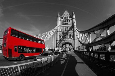 Tower Bridge i czerwony autobus - AM394