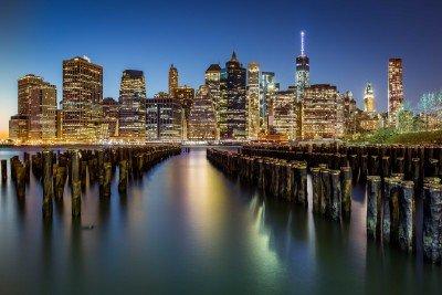 Zniszczone molo i widok na Manhattan - AM601